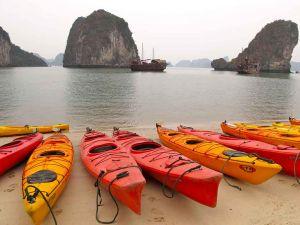 KayaksVietnam.jpg